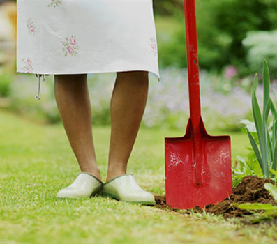 http://www.fmkirken.no/filer/gardening-with-shovel.jpg